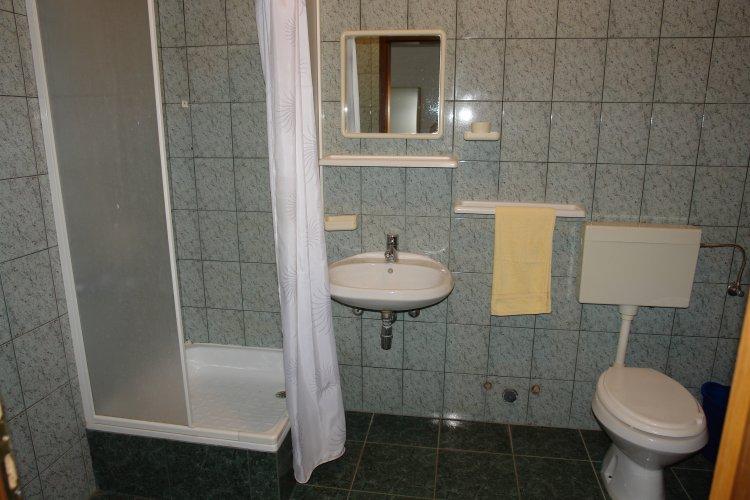 appartements iva mandre privatunterk nfte mandre insel pag mandre. Black Bedroom Furniture Sets. Home Design Ideas